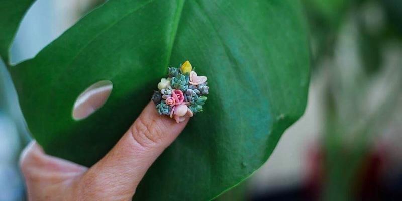 Живые цветы на ногтях