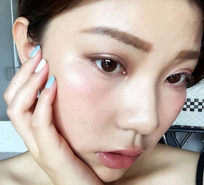 Тренд уставший макияж