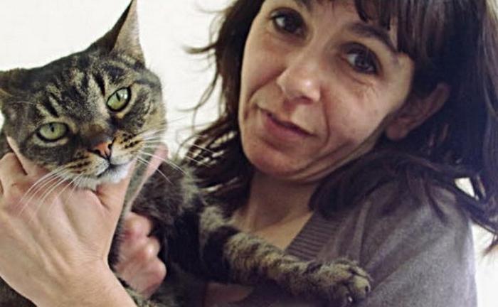 Кошка спасла от пожара одиннадцать человек