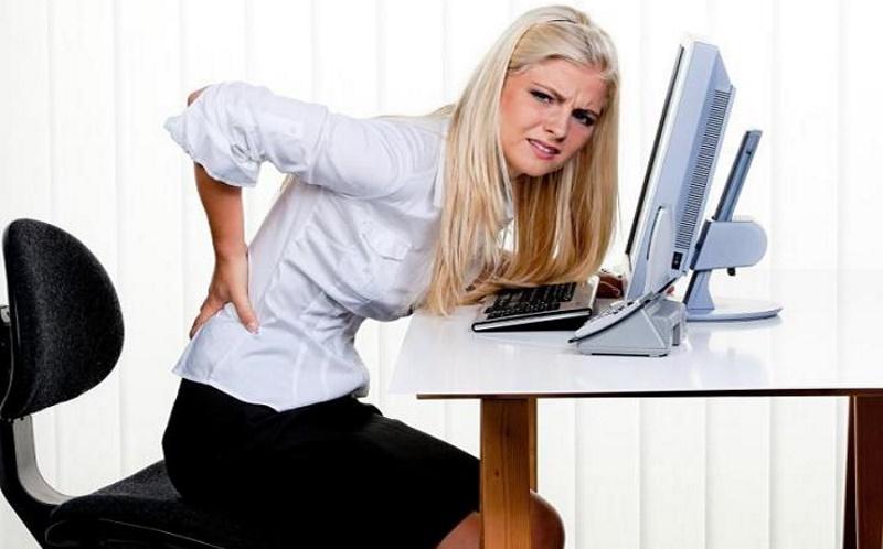 Боль в спине в офисе