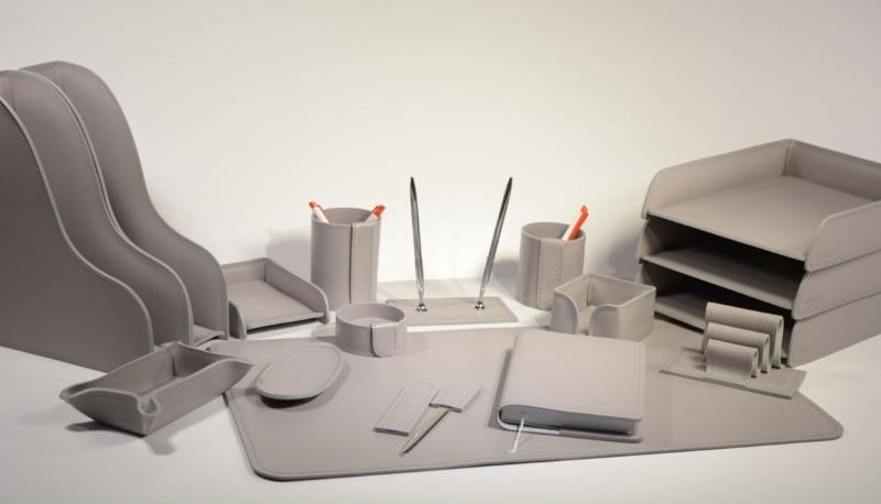 Расположение предметов на рабочем столе