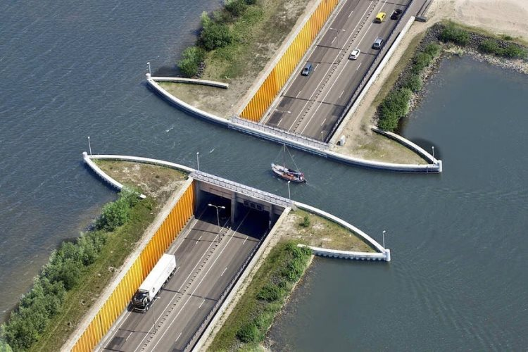 уникальный мост