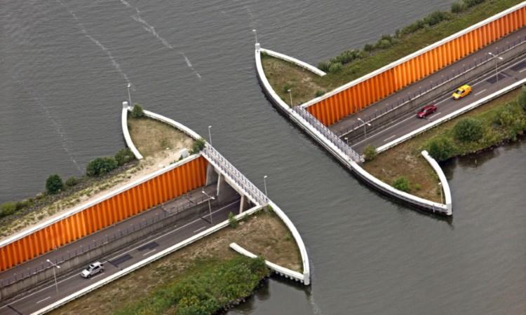 уникальный мост Голландия