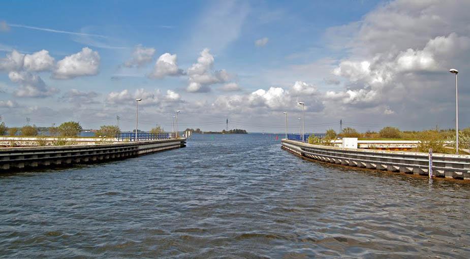 акведук Veluwemeer с речки