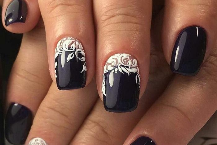 Рисунки и узоры на черных ногтях