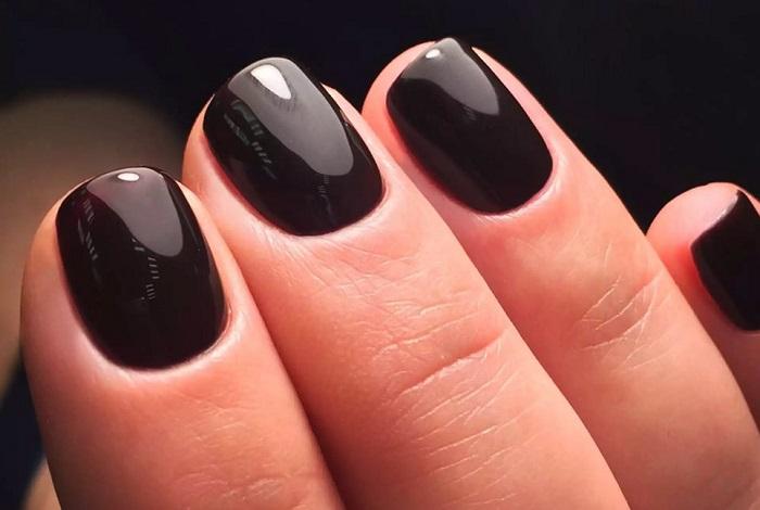 Черный маникюр для коротких ногтей
